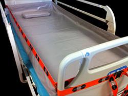 Baignoire souple adaptée sur lit médicalisé